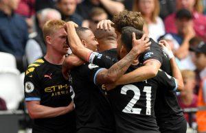 Manchester City golea 5-0 al West Ham con Chicharito en la cancha