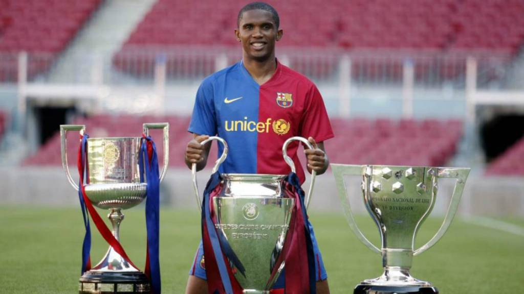 Cinco datos de Samuel Eto'o a 15 años de su fichaje con el Barcelona