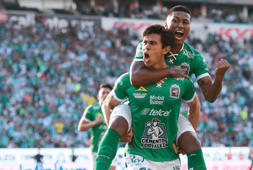 """León quiere """"rugir"""" a costa del líder Santos Laguna"""