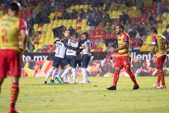 Segunda victoria del torneo para Rayados, con agónico gol de Layún