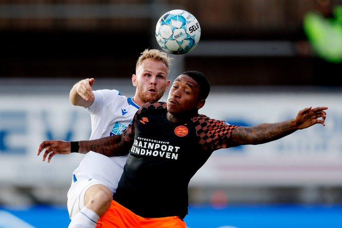 Chucky Lozano suplente en la victoria del PSV por Europa League