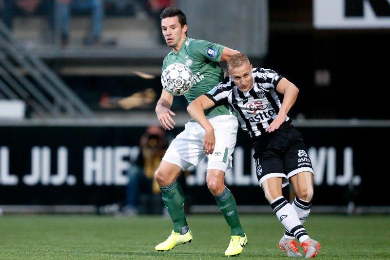 'Chucky' Lozano no fue convocado en la victoria 2-0 del PSV