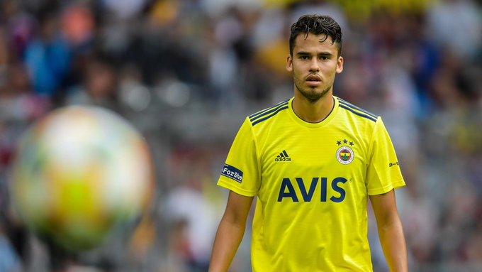 Fenerbahce rescinde el contrato de Diego Reyes