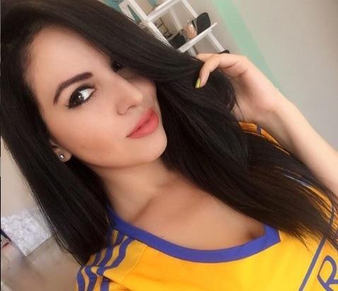 Mine Silva, la sexy bailarina que no se pierde ningún partido de los Tigres