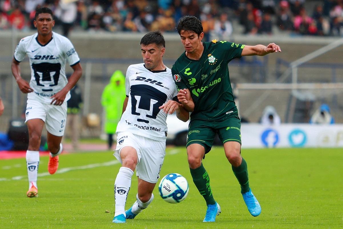 Pumas vuelve a pensar en Liguilla tras vencer 2-0 al líder Santos Laguna