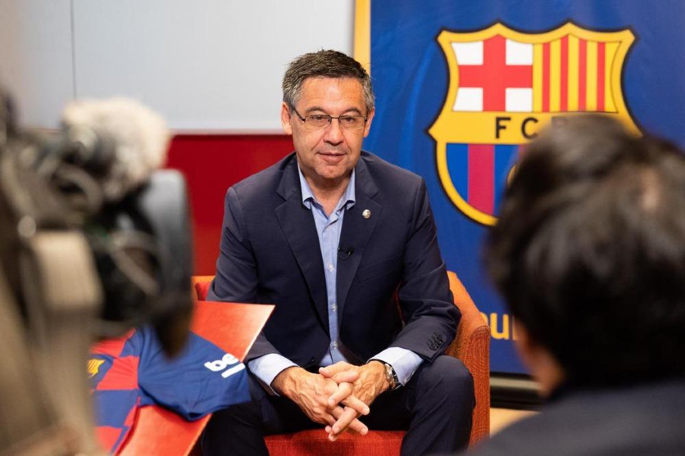 Presidente del Barcelona demanda al youtuber español, Auronplay