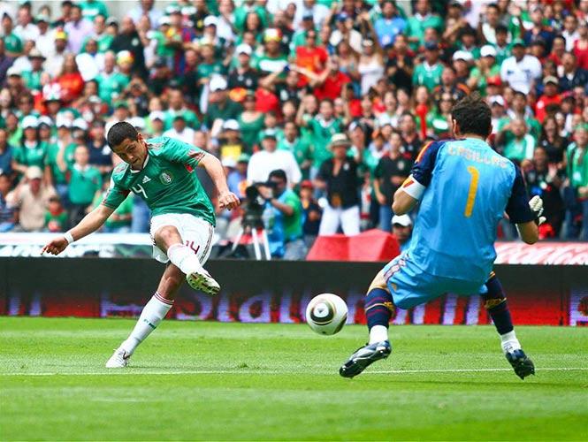 Los cinco jugadores mexicanos que le marcaron gol a Iker Casillas