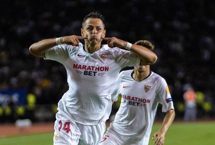 Chicharito confiesa que le gustaría anotar y celebrar ante el Real Madrid