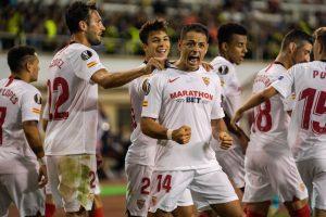 Chicharito adelanta al Sevilla con un golazo en la Europa League