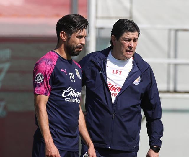 Chivas niega que la llegada de Luis Fernando Tena haya sido por intermediarios