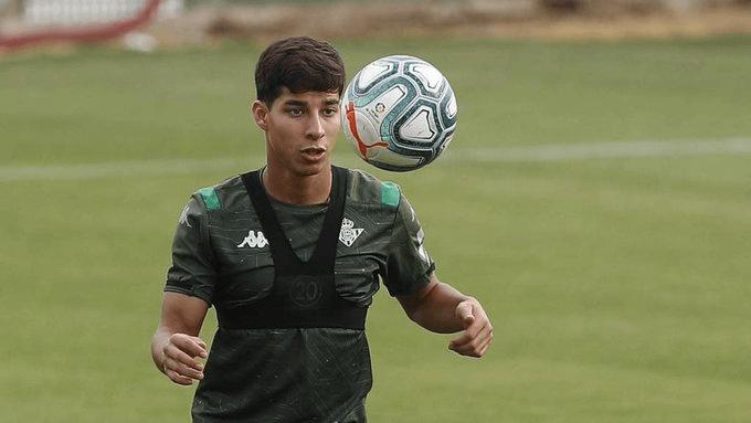 Diego Lainez lucha por ser regular con el Betis en LaLiga