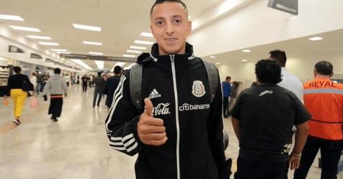 Seleccionados mexicanos regresan sin dar declaraciones tras derrota ante Argentina