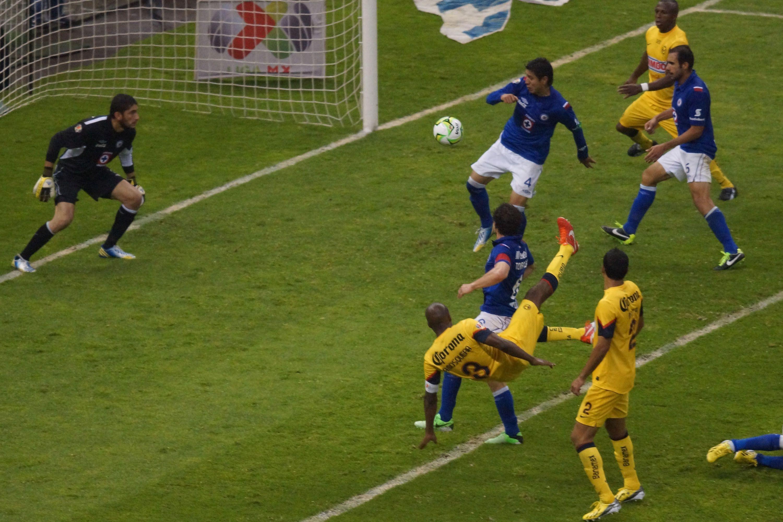 Aquivaldo Mosquera responde sobre arbitraje en la final contra Cruz Azul