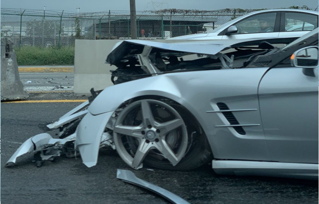 FOTOS: Tuca Ferreti sufre accidente automovilístico cuando se dirigía al entrenamiento de Tigres