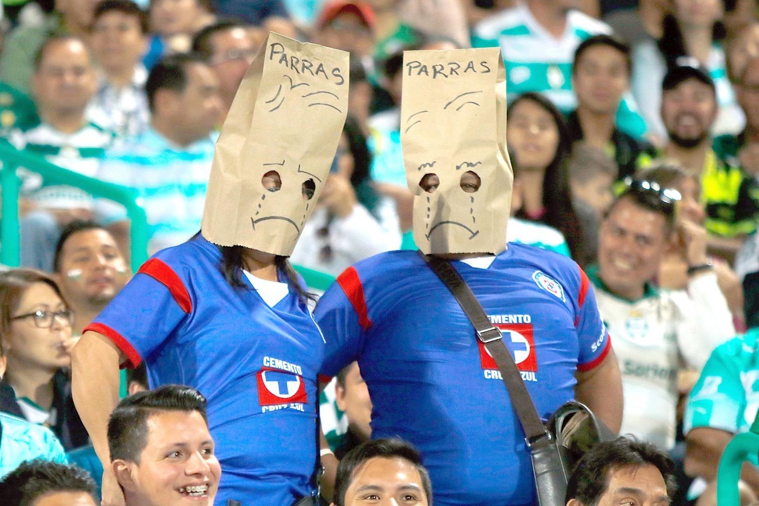 Santos invita a los aficionados de Cruz Azul para cambiarse de equipo