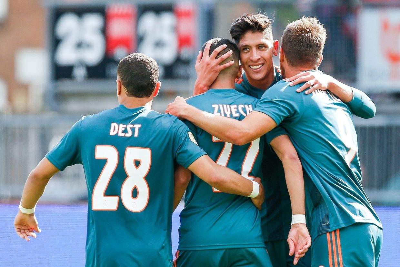 Edson Álvarez fue titular en la victoria 4-1 del Ajax