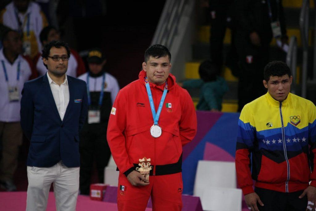 Luchador mexicano Alfonso Leyva buscará cupo a Tokio 2020