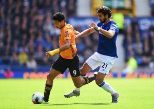 Wolverhampton sin Raúl Jiménez sufre, pero avanza en Copa de la Liga