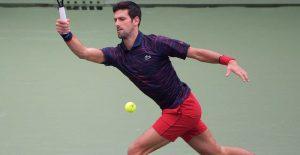 Novak Djokovic vence a Shapovalov en su debut del Masters 1000 de Shanghai