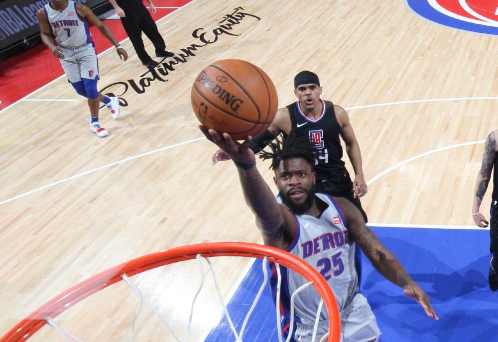 Jugador de la NBA no debuta y sufre la pérdida de sus dos hermanas
