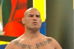 VIDEO: Caín Velázquez reaparece en la WWE y da golpiza a Brock Lesnar