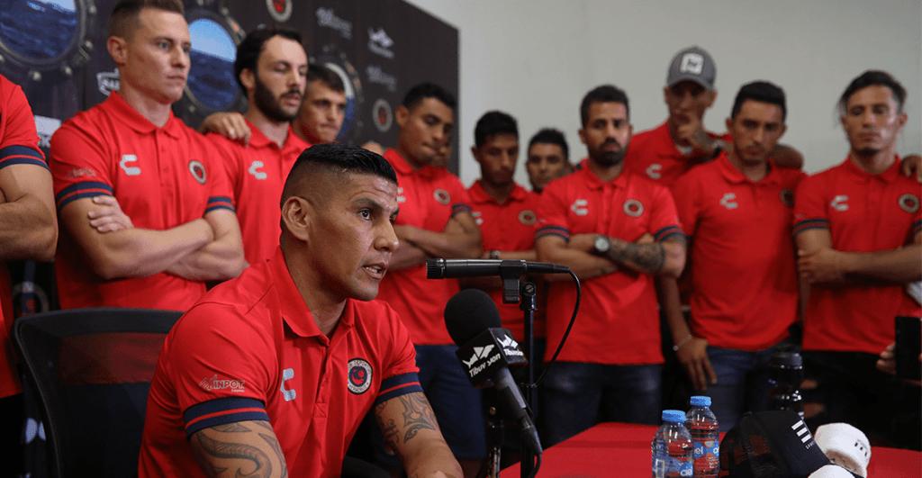 Carlos Salcido exhibe las pésimas condiciones en Veracruz