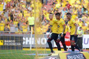 Liga de Ecuador en riesgo por crisis en el país