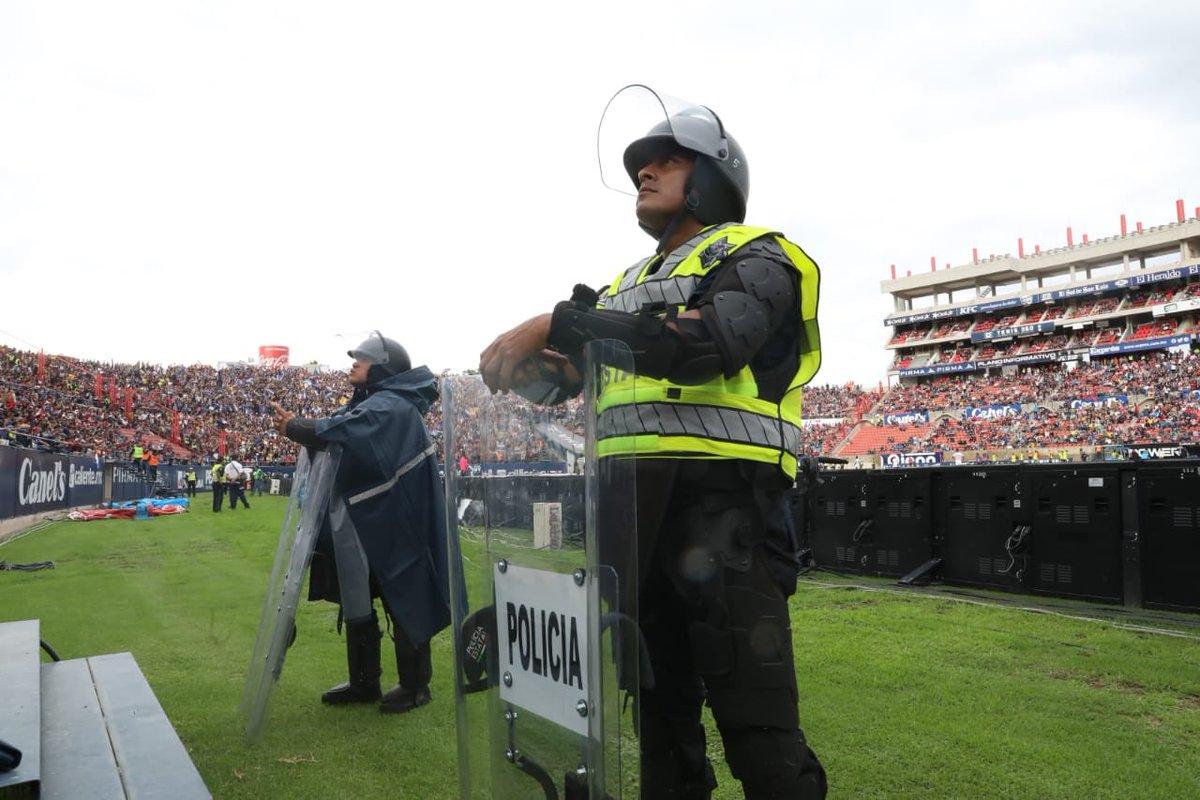 Policía de San Luis revela imágenes previas a los incidentes en el Estadio Alfonso Lastras