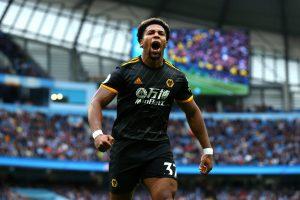 Wolves de Raúl Jiménez sorprende 2-0 al Manchester City