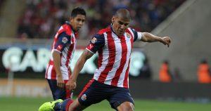 Carlos Salcido llegó a Chivas a cambio de unos balones