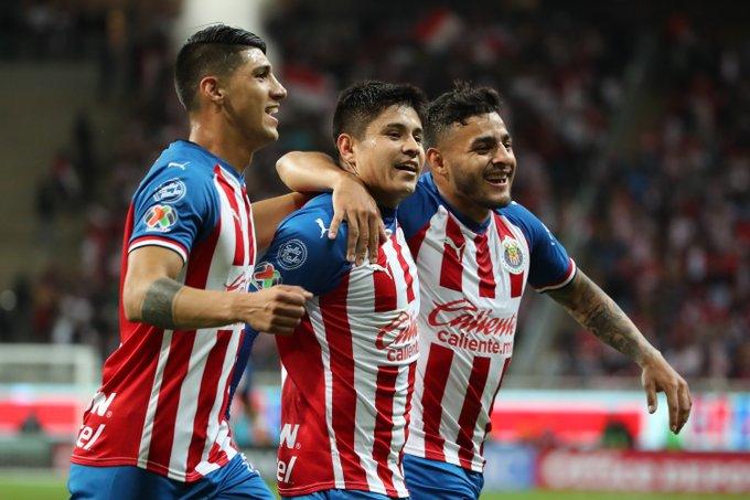 Chivas gana y se aferra a la Liguilla del Apertura 2019