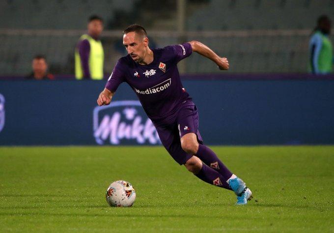Franck Ribery se queja y le mejoran la cara