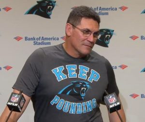 Carolina Panthers despiden al entrenador en jefe Ron Rivera