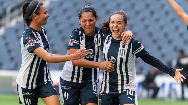 Cerveceria Corona incentiva a las campeonas de la Liga MX Femenil
